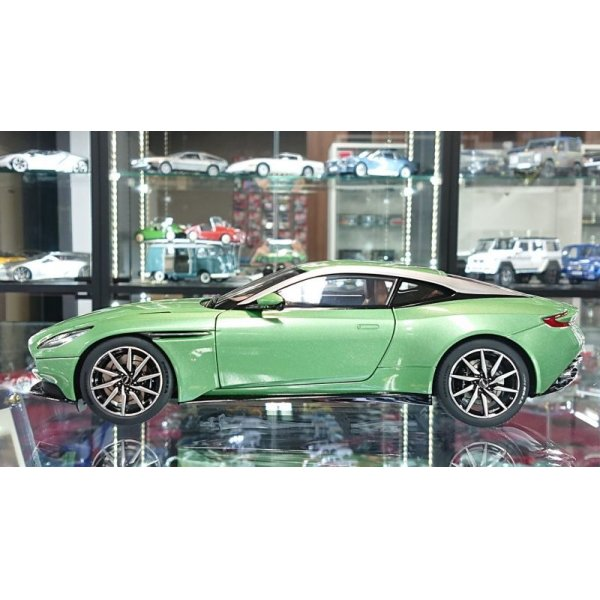 画像2: AUTOart 1/18 ASTON MARTIN DB11 Appletree Green