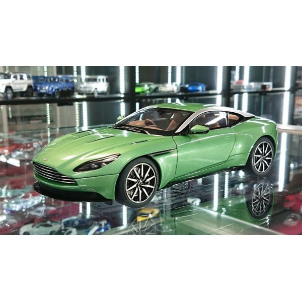 画像1: AUTOart 1/18 ASTON MARTIN DB11 Appletree Green