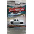 GREEN LIGHT 1:64 ALL TERRAIN Series 8 '17 CHEVROLET SILVERADO RALLY 2