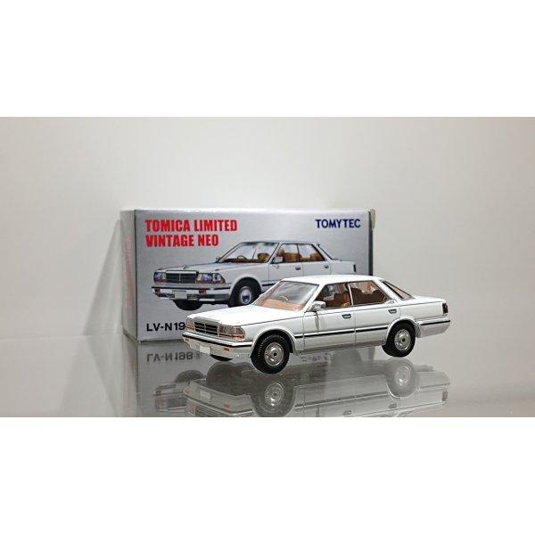 画像1: TOMYTEC 1/64 Limited Vintage Nissan Gloria HT V20 Grandage '86 Y30 White