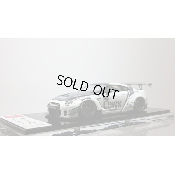 画像1: EIDOLON 1/43 LB WORKS GT-R Type 2 Racing Spec Pearl White / LBWK Stripe