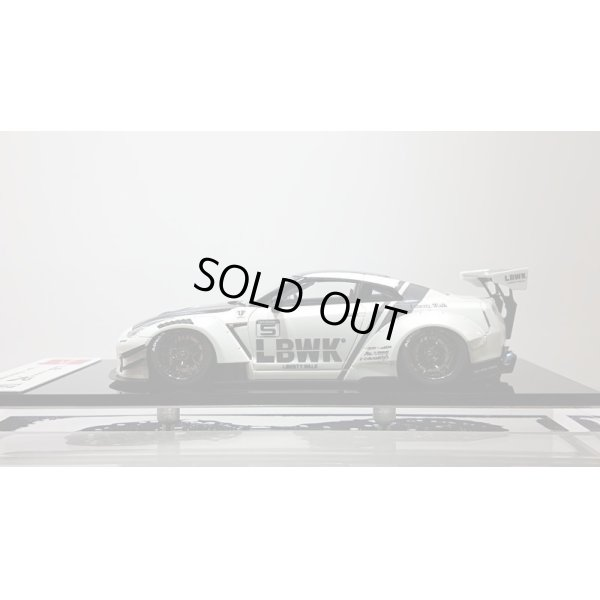 画像2: EIDOLON 1/43 LB WORKS GT-R Type 2 Racing Spec Pearl White / LBWK Stripe