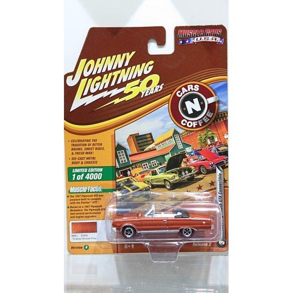 画像1: Johnny Lightning 1:64 Muscle Cars USA - Release 20-A '67 Plymouth GTX Convertible Turbine Bronze