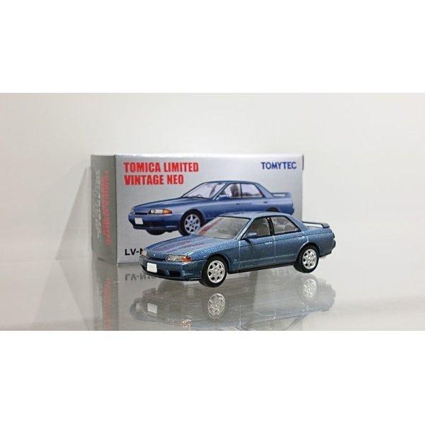 画像1: TOMYTEC 1/64 Limited Vintage Nissan Skyline 4door Sport Sedan GTS25 Type X・G Blue 1991