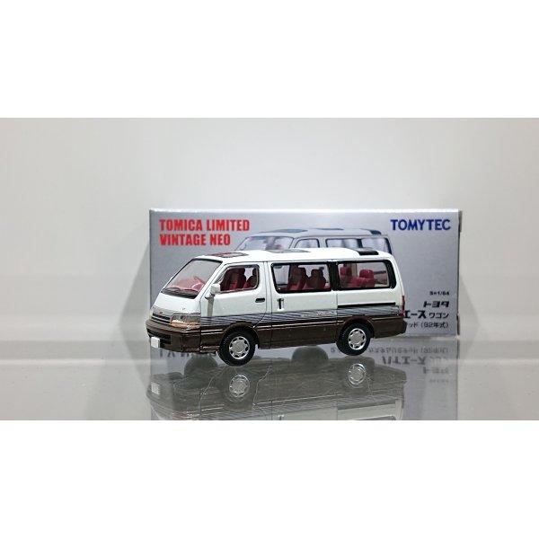 画像1: TOMYTEC 1/64 Limited Vintage NEO TOYOTA HIACE Wagon 2.4 Super Custom Limited '92 White/Brown