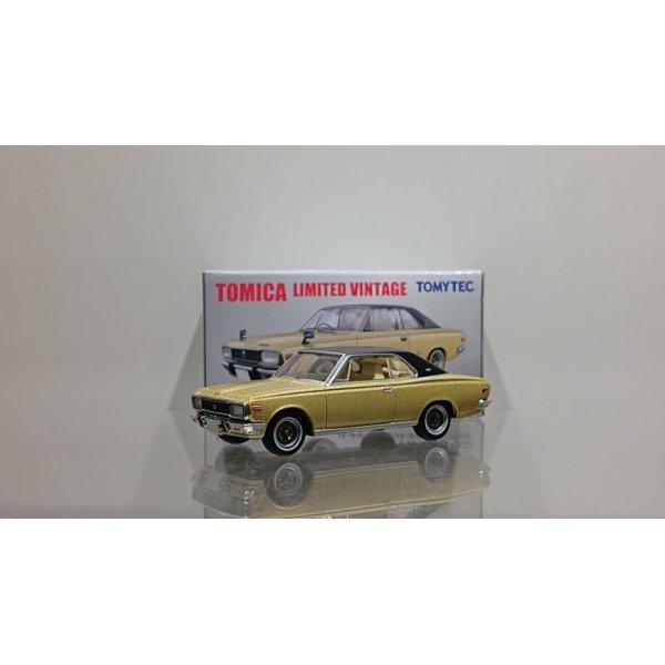 画像1: TOMYTEC 1/64 Limited Vintage Toyopet Crown Hardtop Super Deluxe '70 Gold / Black