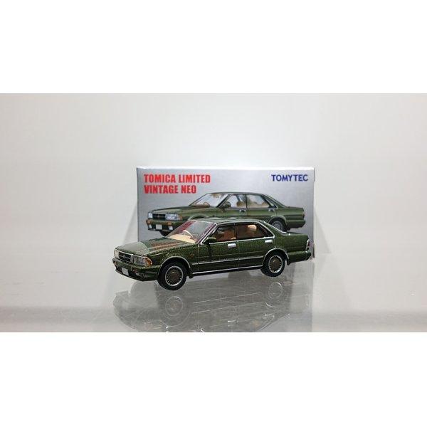 画像1: TOMYTEC 1/64 Limited Vintage NEO Nissan Gloria 4HT V20 Twin Cam Turbo Gran Turismo Super SV '88 Green
