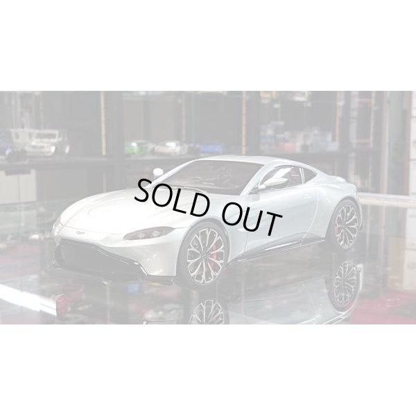 画像1: AUTOart 1/18 Aston Martin Vantage 2019 Metallic Silver