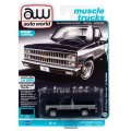 auto world 1/64 1982 Chevy Silverado 10 Midnight Blue / Silver