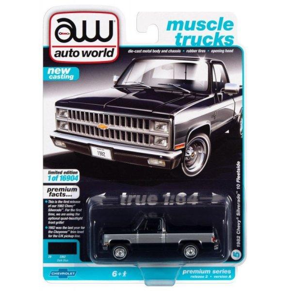 画像1: auto world 1/64 1982 Chevy Silverado 10 Midnight Blue / Silver